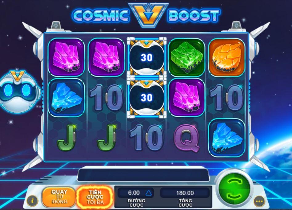 """Slot game Cosmic Boost được nhiều người chơi đánh giá cao bởi tỉ lệ chiến thắng ở các vòng quay lên đến 96,99%. Trên xới bạc online mà tiền thưởng phụ thuộc vào sự may mắn đến từ các vòng quay thì RPT là một thông số được nhiều người nhìn vào để lựa chọn chơi hay không. Cùng trải nghiệm Slot game Cosmic Boost với các tính năng đặc biệt và hái ra tiền từ phiên đánh bài online này nhé. Thông tin trò chơi Số cuộn quay: 3 x 5 (3 hàng, 5 cột tương đương với 15 cuộn quay) Số đường thắng trong game: 30 đường. Tiền cược tối thiểu và tối đa: Mức cược phụ thuộc vào đơn vị tiền tệ mà người chơi sử dụng. Tiền cược sẽ hiện thị trên giao diện trò chơi dựa vào loại tiền tệ, cấp độ cược và mức cược của người chơi. Ví dụ nếu người chơi sử dụng đơn vị tiền cược là Usd. Khi chọn đường cược 0.10 USD với 30 hàng thì tổng tiền cược người chơi phải trả cho mỗi vòng quay là 3.00 USD. Mức cược tối thiểu khi chọn đường cược 0.03 USD với tổng cược là 0.90. Mức cược tối đa khi chọn đường cược 6.00 với tổng cược lên đến 180.00USD. Tổng cược càng cao thì tiền thưởng thu về càng lớn và đương nhiên số tiền phải thanh toán cho mỗi vòng quay cũng lớn. Vậy nên người chơi nên cân nhắc khi chọn đường cược. Cách chơi Cosmic Boost 1. Người chơi chọn tổng cược cho mỗi vòng quay bằng cách chọn đường cược tùy theo hệ số đặt cược và đơn vị tiền tệ 2. Nhấn nút spin để quay, người chơi có thể chọn chế độ quay tự động với số lần quay tương ứng 10, 25, 50, 75, 100 và không giới hạn. Người chơi có thể sử dụng tính năng này nếu như không muốn bấm lại """"quay tiếp"""" mỗi khi kết thúc vòng quay.Trong các vòng quay tự động thì đường cược và tổng tiền cược sẽ giữ nguyên theo lựa chọn của vòng quay đầu tiên. Trong vòng quay tự động người chơi có thể cài đặt các thông số giới hạn tiền thua là bao nhiêu thì dừng lại hoặc ngừng vòng quay tự động khi mức tiền thắng hoặc số dư ở một mốc nhất định nào đó do người chơi quy định. 3. Sau khi các cuộn quay dừng lại, sự kết hợp của các biểu tượng hiện thị sẽ định khoản thanh toán như"""